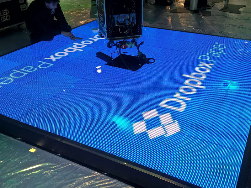Digital exhibition stand for Dropbox